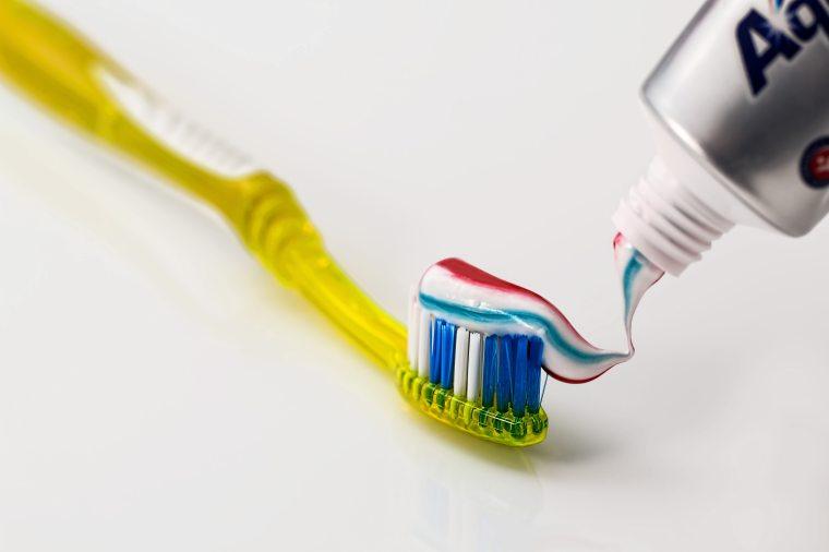 amaeeminhablog-escovar-os-dentes